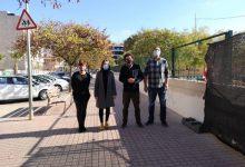 La rehabilitación integral de los baños y sustitución de la valla del CEIP Eleuterio Pérez en la Vall d'Uixó están a punto de finalizar