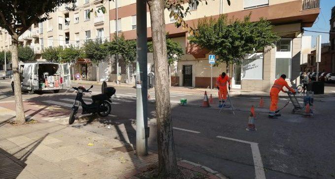 La calle Peñagolosa en Vila-real mejora la seguridad viaria y amplía plazas de aparcamiento con la implantación del párking en espiga