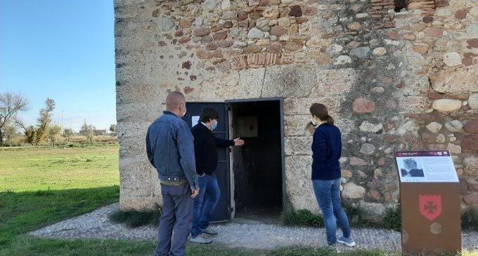 Borriana restaura la Torre del Mar de pintades i actes vandàlics