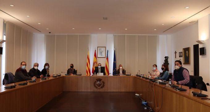Benlloch es reuneix amb els directors de l'educació concertada a Vila-real i mediarà per a buscar més consensos en la llei Celaá