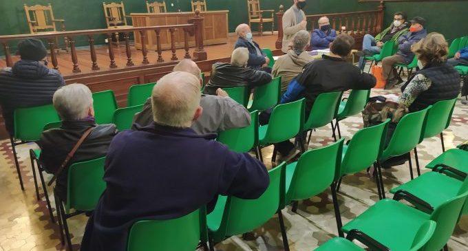Navarro informa els agricultors i agricultores del procés per a participar en la Fira de la Taronja a partir d'aquest diumenge