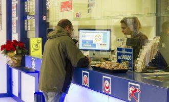 Un quinto premio cae en Vinaròs con 60.000 euros  con el 37.023
