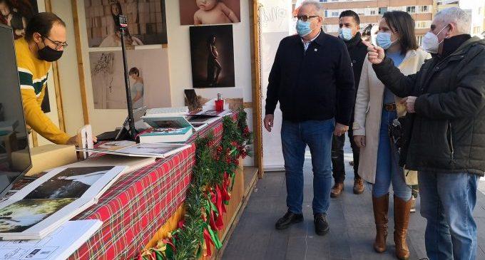 Almassora inaugura la Fira de Nadal després de la suspensió per pluja el passat cap de setmana