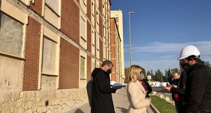 Constructora i Consell traslladen al veïnat el pla d'enderrocament del Grup B d'Almassora