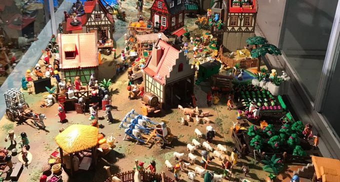 Burriana inaugura el Belén de Playmobil