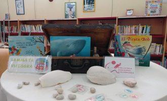 """La Biblioteca Municipal d'Almenara fomenta la lectura amb """"les maletes viatgeres"""""""