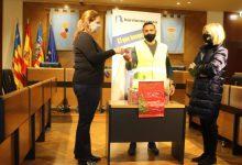 El Ayuntamiento de Burriana reparte los 3.000 euros en tres vales en el primer sorteo del 'Rasca'