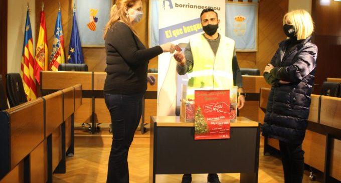 L'Ajuntament de Borriana reparteix els 3.000 euros en tres vals en el primer sorteig del 'Rasca'