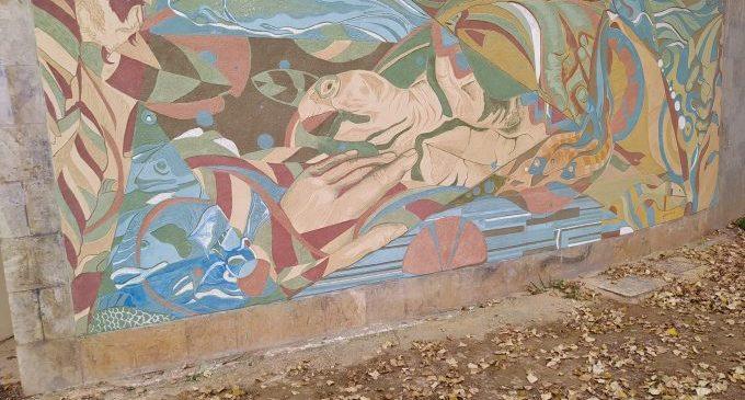 Castelló projecta la bioconstrucció amb un mural en Rafalafena realitzat amb materials respectuosos amb el medi ambient