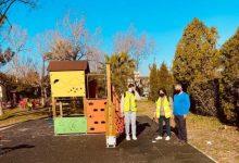 Personal contratado del programa Ecovid desinfecta a diario las zonas de juegos, parques, jardines y exteriores de edificios públicos de Borriana
