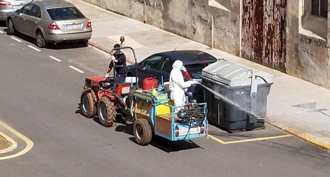 Nules représ les tasques de desinfecció contra la COVID amb tractors