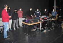 El Teatre Municipal de Benicàssim millora la qualitat dels espectacles amb la nova taula de so