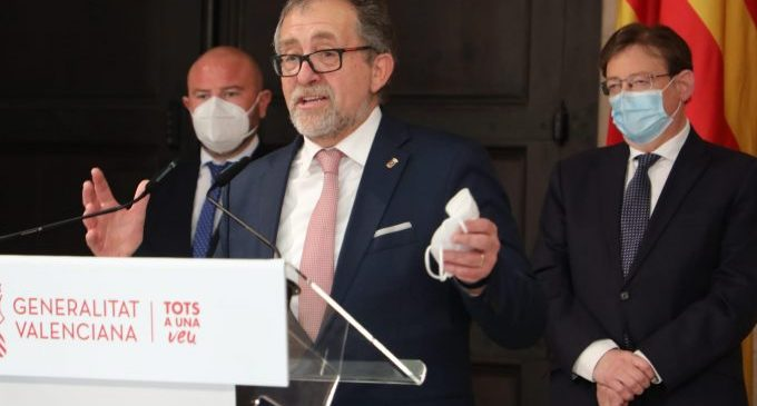 """Martí anima a los 135 municipios de la provincia a """"unir fuerzas"""" para agilizar los 18,6 millones de euros del Plan Paréntesis"""