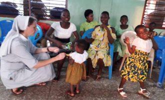 La recaudación del Mercadillo Solidario Grup Viure de Benicàssim llega a Ghana