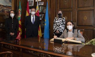 """Martí subratlla el suport de la ministra d'Indústria a la ceràmica de Castelló com a motor """"estratègic"""" en la recuperació econòmica d'Espanya"""