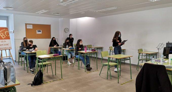 Els tres instituts de la Vall d'Uixó participen en la Lliga Universitària de Debat