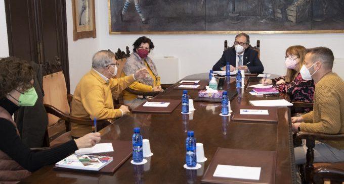 La Diputación aportará a Cáritas 200.000 euros para dar cobertura a las necesidades básicas de personas en situación de sin hogar
