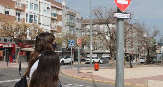 Benicàssim instala señales contra la violencia