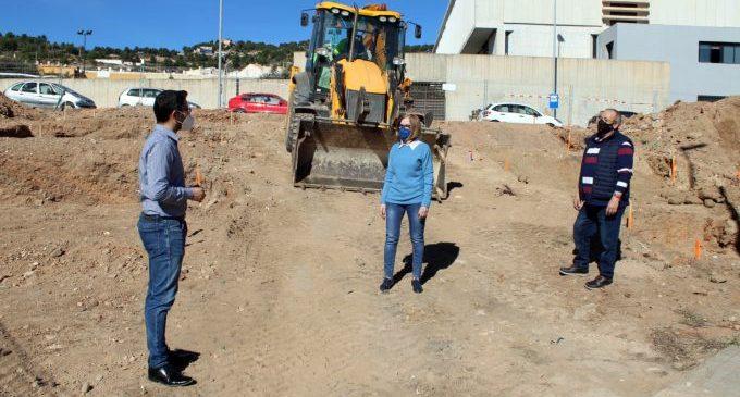 L'Alcora inicia les obres d'una nova zona verda en l'avinguda Corts Valencianes