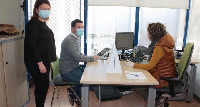 Castelló obri un canal de Whatsapp per a la cita prèvia i activa un projecte pilot amb tauletes