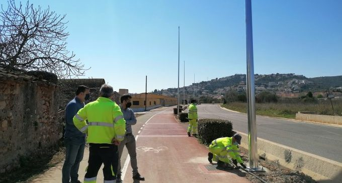 Avança la instal·lació d'enllumenat públic en la carretera Peníscola-Benicarló