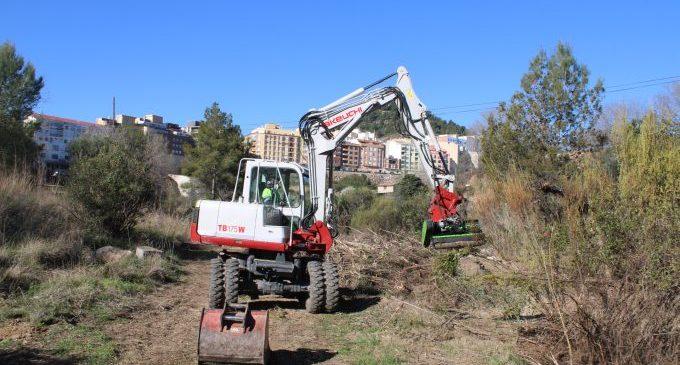 Avancen els treballs de neteja del riu de l'Alcora