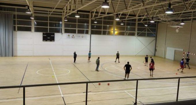 Vila-real millora les pistes dels pavellons Sebastián Mora i Melilla per a facilitar el reinici de l'activitat dels clubs