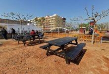 Nules embelleix les zones de l'Estany amb millores de mobiliari i ornamentació floral