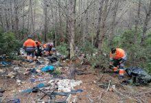 """Peníscola neteja, """"davant la passivitat de Conselleria"""", l'abocament incontrolat de residus al Parc Natural de la Serra d'Irta"""
