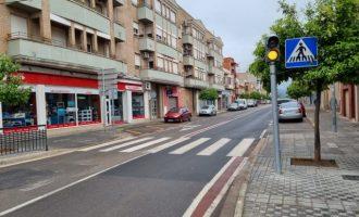 Nules instal·la un semàfor per a millorar la seguretat viària en la carretera de la Vilavella