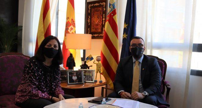 Benlloch define las ocho prioridades de la Generalitat con Vila-real y solicita a la directora territorial de Presidencia la reparación de la cubierta del CTD
