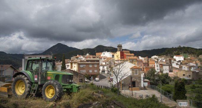 Martí reitera la apuesta por la discriminación positiva a favor de los pueblos pequeños iniciada de la Diputación desde 2020