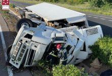 Un camioner mor després de bolcar en l'AP-7 a l'altura de Les Alqueries
