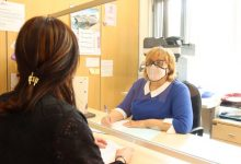 Onda adquireix mascaretees de lectura labial per a millorar l'atenció directa a les persones amb discapacitat
