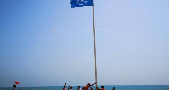 La bandera blava onejarà de nou aquest estiu a la platja Casablanca d'Almenara