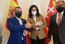 Benlloch estreta llaços amb l'alcaldessa de Gdansk per a col·laborar en la promoció del teatre de carrer i FITCarrer