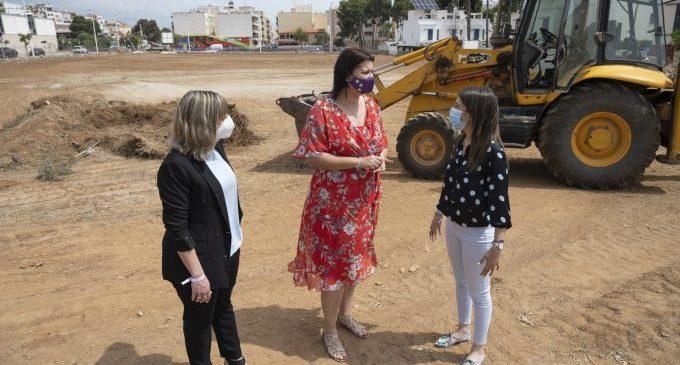 La parcel·la en la qual es construirà la Residència i el Centre de Dia per a persones majors i amb discapacitat d'Orpesa pren forma