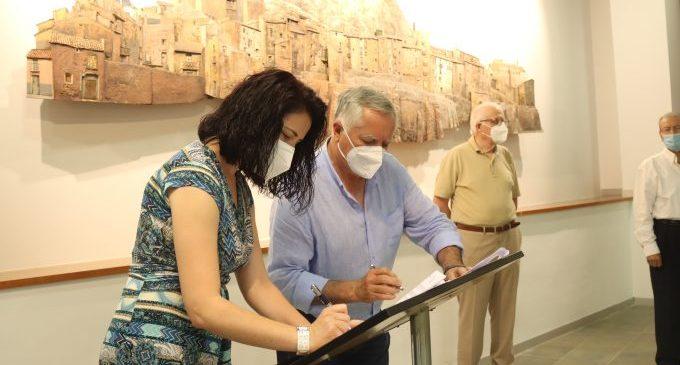 El Museo del Azulejo de Onda suma patrimonio artístico con dos nuevos murales cerámicos de Chillida y Barreira