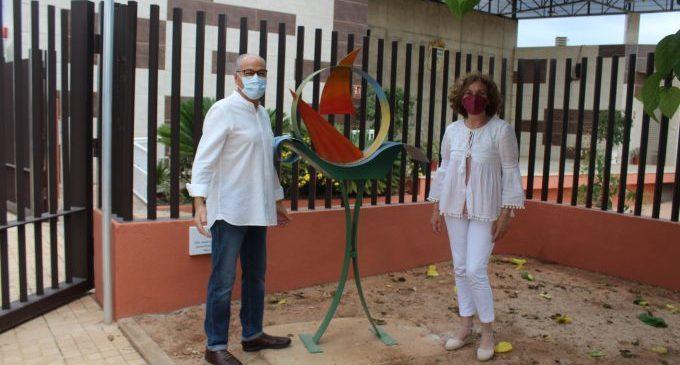 """""""Navegant pel món"""", una obra del escultor castellonense Jacinto Domínguez que se instala en Nules"""
