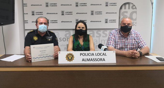 Almassora aplaudeix l'augment de plantilla i el treball durant la pandèmia del seu Policia Local
