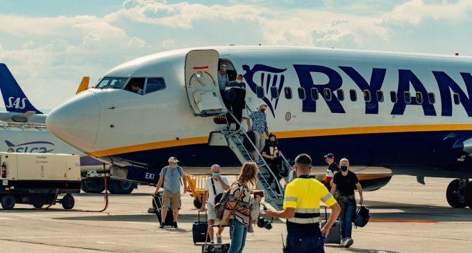 L'aeroport de Castelló recupera els vols regulars amb la reactivació de la ruta de Londres