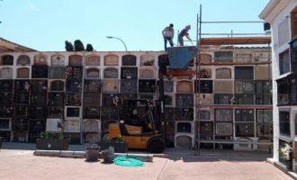 Burriana repara los techos de los nichos más antiguos del cementerio municipal