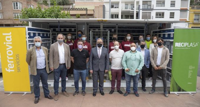 José Martí e Ignasi Garcia visitan el primer ecoparque móvil del consorcio C2 de residuos por el Día del Medio Ambiente