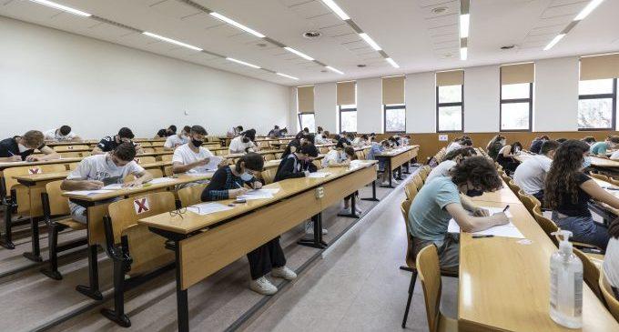 Quasi 3.000 estudiants de la província de Castelló es presenten a les proves d'accés a la universitat a l'UJI