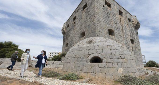 La Diputació estudia el pla de remodelació de la Torre del Rei amb l'Ajuntament d'Orpesa