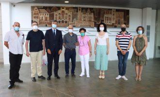 El Museo del Azulejo de Onda amplía su valiosa colección con el nuevo mural cerámico de Enric Mestre