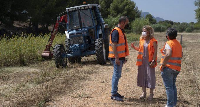 El Parc Mòbil de la Diputació inverteix aquest any 13.300 euros en el manteniment de pistes i camins rurals de Cabanes