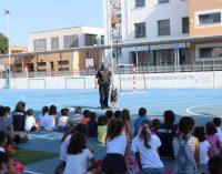 La Policia Local d'Onda consciència en seguretat ciutadana a l'alumnat de l'Escoleta d'estiu