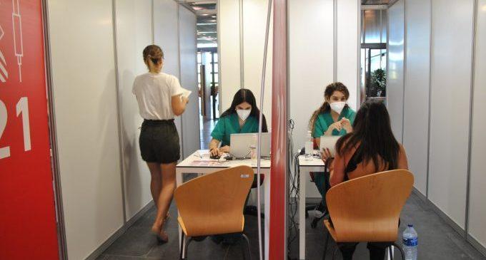 Castelló inicia la vacunación contra la Covid-19 de personas de entre 20 y 29 años