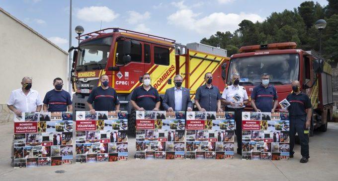 """La Diputación homenajea el """"trabajo excepcional"""" de los bomberos voluntarios de la provincia por preservar el entorno natural de Castelló"""
